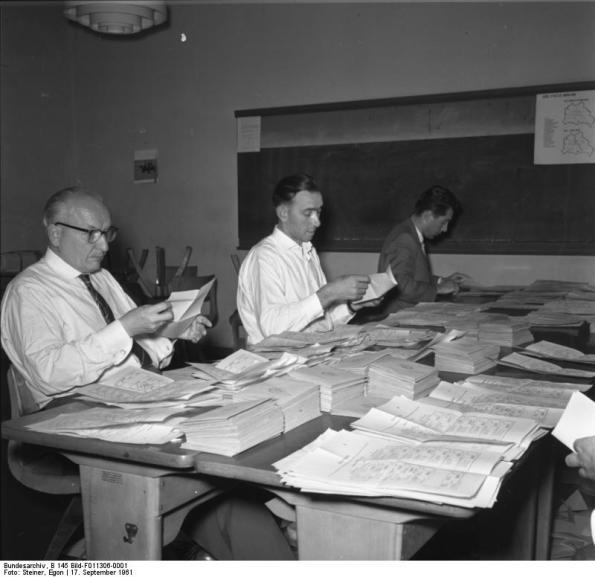 Bundesarchiv, B 145 Bild-F011306-0001 / Steiner, Egon / CC-BY-SA